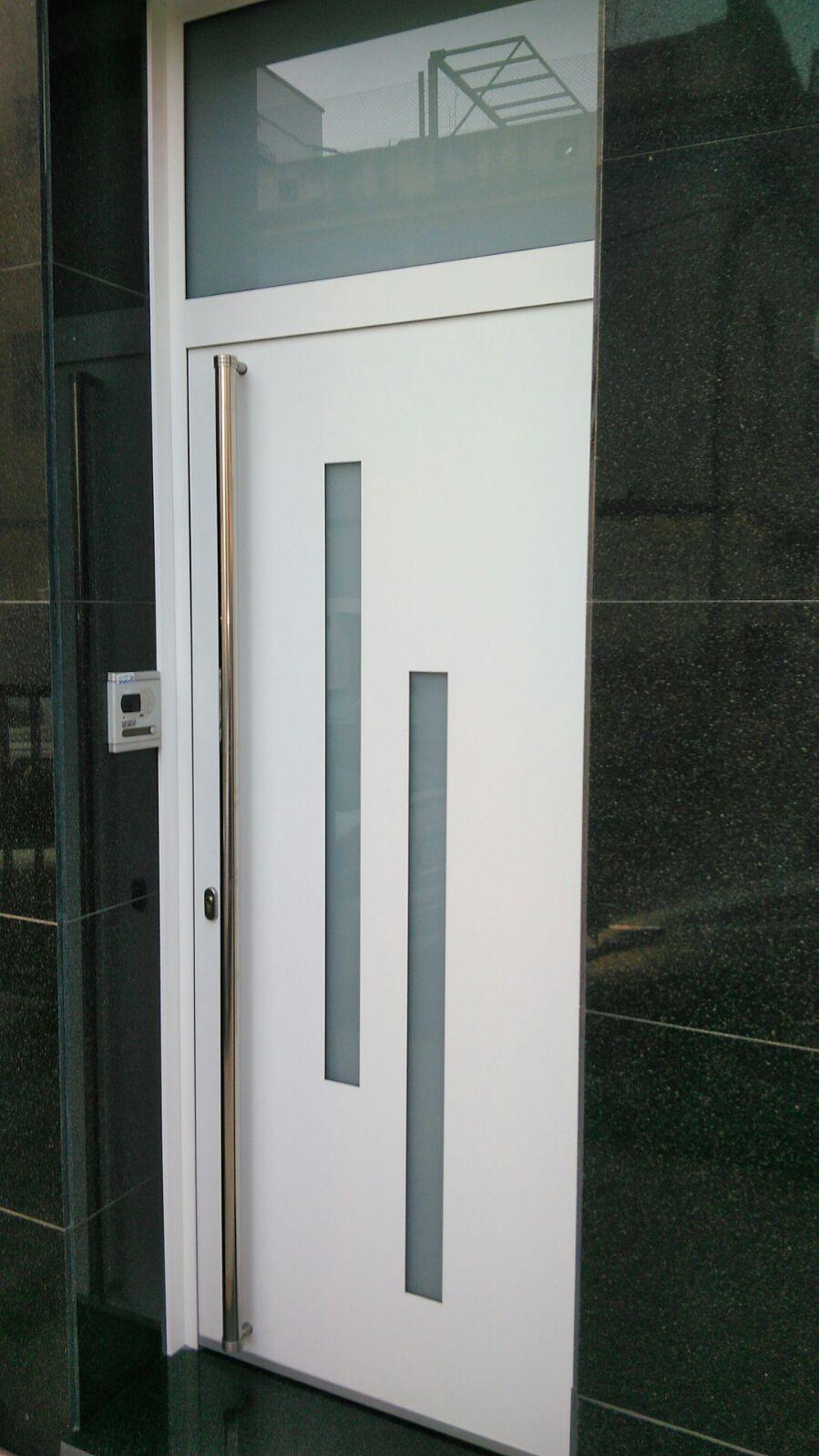 Aluminis Vacarisses - expertos en cierres de aluminio y PVC